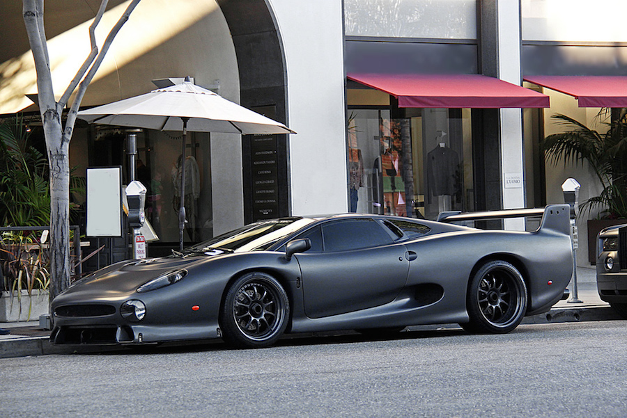 matte-jaguar-xj220-01